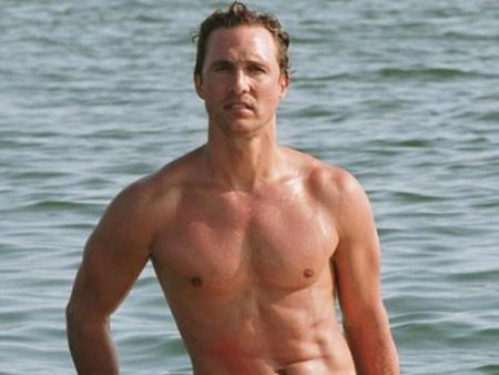 surf-shirtless-letterman-matthew_mcconaughey_4.jpg
