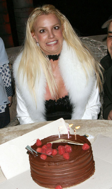 Britney Spears crosseyed on birthday.jpg