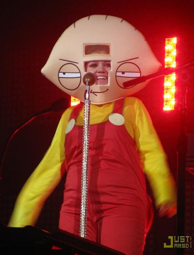 Kelly-Clarkson-Stewie.jpg