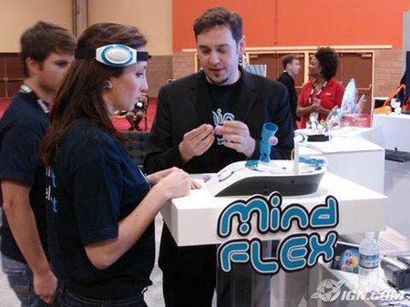 ces-2009-mattels-mind-flex-toy-20090110053302643.jpg