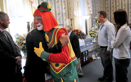 clown-funeral3.jpg