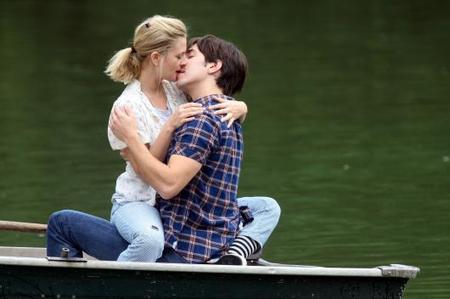 drew-barrymore-justin-long-kiss.jpg