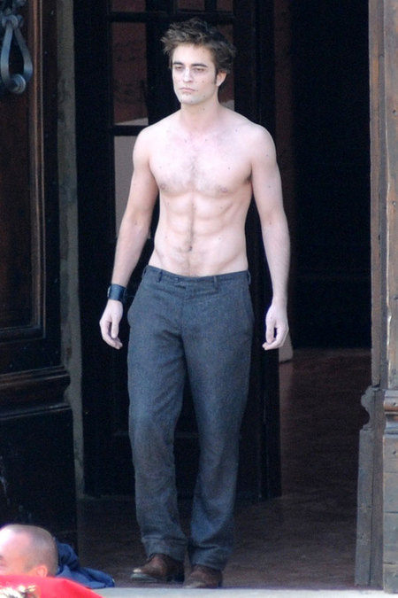 robert-pattinson-shirtless-ripped.jpg