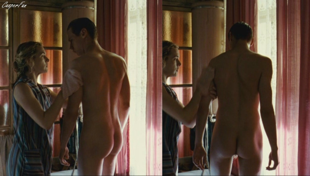 DEANNA: The reader nude photos