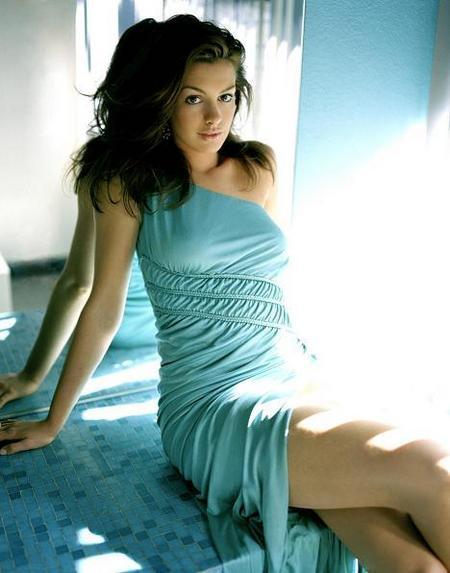 Anne-Hathaway.jpg