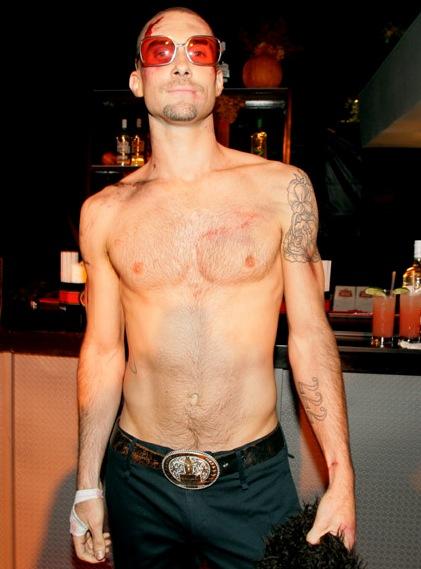 adam-levine-shirtless.jpg