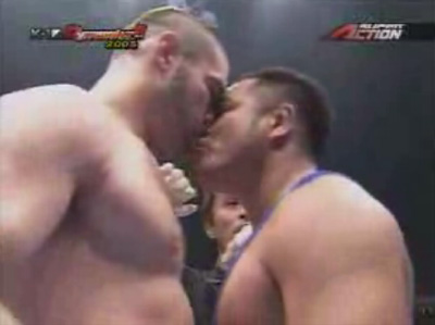 boxing-kiss.jpg