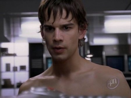 christopher-gorham-shirtless-02.jpg
