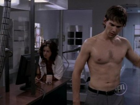 christopher-gorham-shirtless-04.jpg