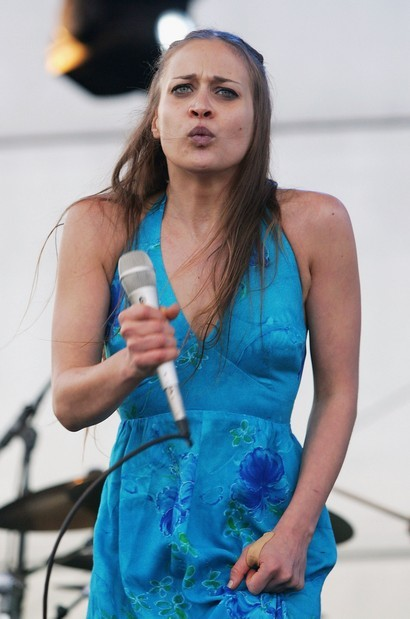 fiona-apple-scary02.jpg