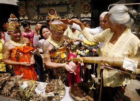 gay-hindu-wedding-02.jpg