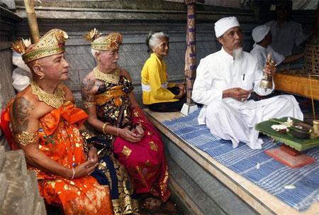 gay-hindu-wedding-04.jpg