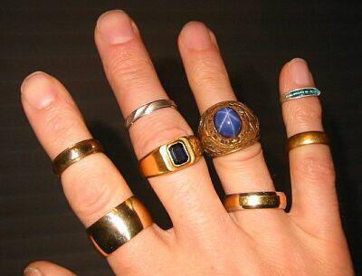 gold-ring-hand.jpg