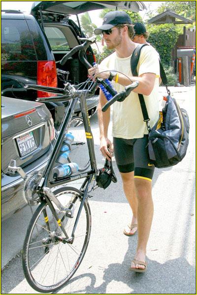 jake-gyllenhaal-bulge02.jpg