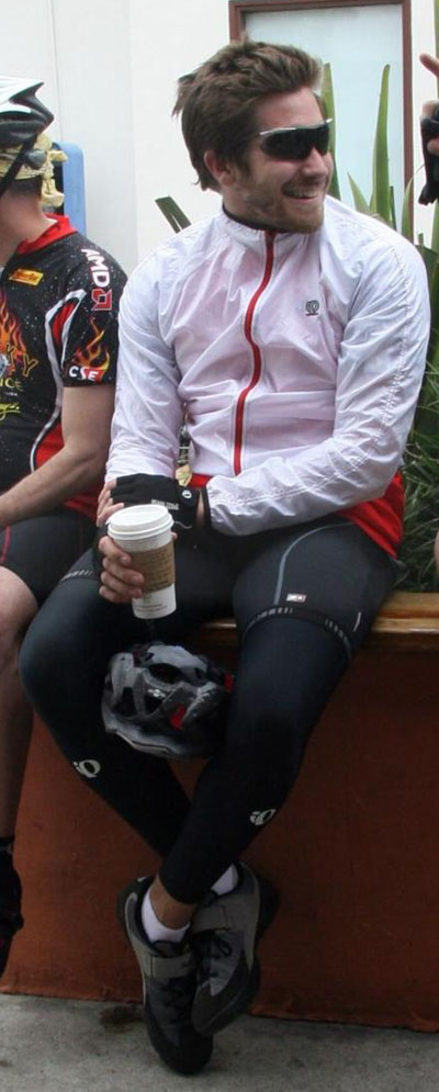 Jake Gyllenhaal sexy spandex bike butt