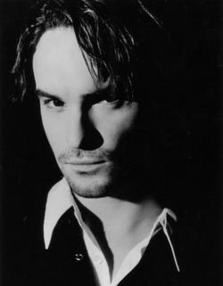 johnny-galecki-portrait.jpg