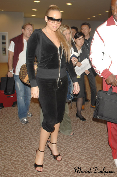 mariah-sweats-high-heels.jpg