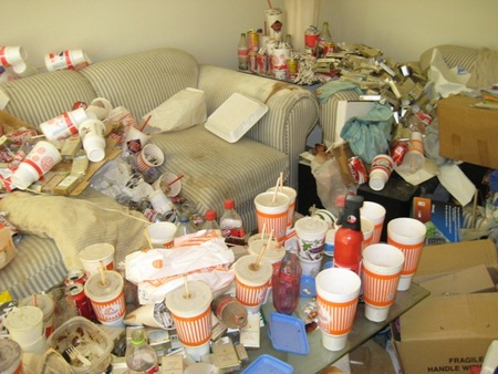 messy-apartment-01.jpg