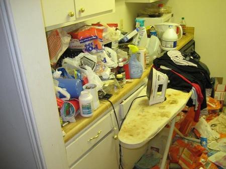 messy-apartment-04.jpg