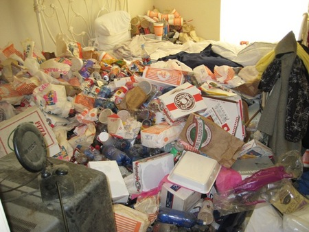 messy-apartment-05.jpg