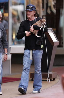 mickey-rourke-dog-03.jpg