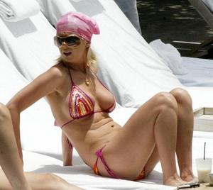 tara-reid-bikini.jpg