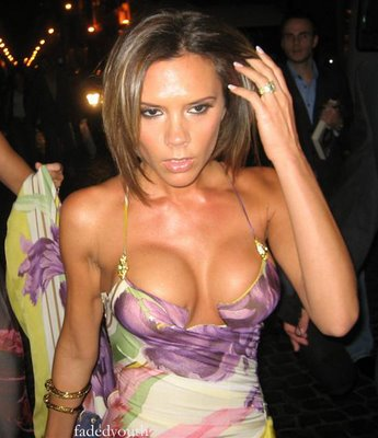 victoria-beckham-boobs.jpg