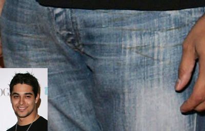 Wilmer Valderrama naked penis bulge