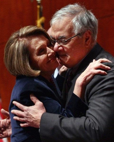 nancy-pelosi-barney-frank-kiss.jpg