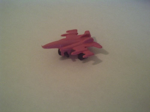 pink-toy-plane.jpg