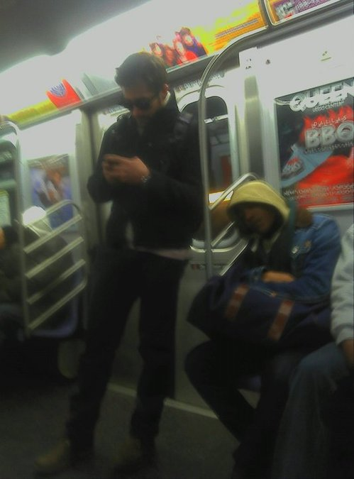 jake-gyllenhaal-q-subway-nyc.jpg