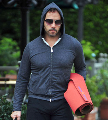 jeremy-piven-package-01112011-lead.jpg
