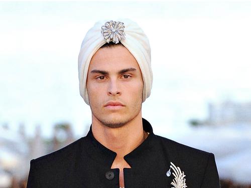 Chanel+Resort+2012+Karl+Lagerfeld+Turban+.jpg