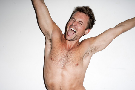 gallery_main-brad-goreski-shirtless-09162010-01.jpg