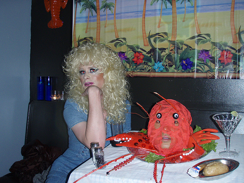 hotnuts-lobster-beach-03.jpg