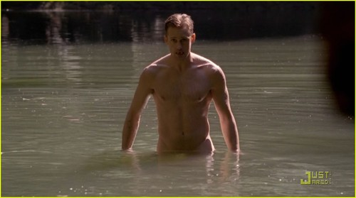 alexander-skarsgard-joe-manganiello-true-blood-shirtless-01.jpg