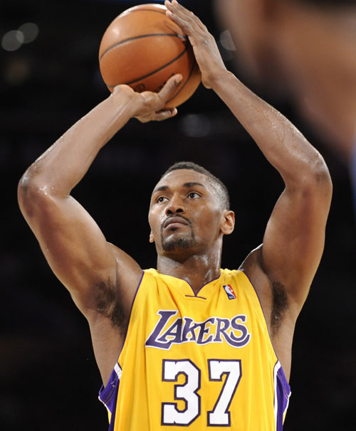 ron-artest-lakers-20091201_zaf_e47_642.jpg