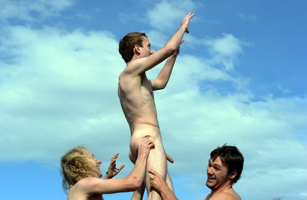 pictuers of naked men