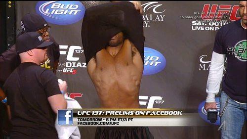 Clifford_Starks_UFC137WeighIn_01.jpg