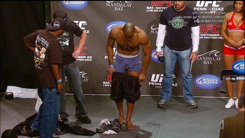 Clifford_Starks_UFC137WeighIn_06.jpg