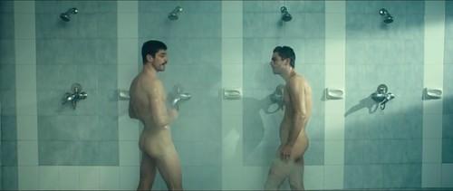 naked dominic cooper 3.jpg