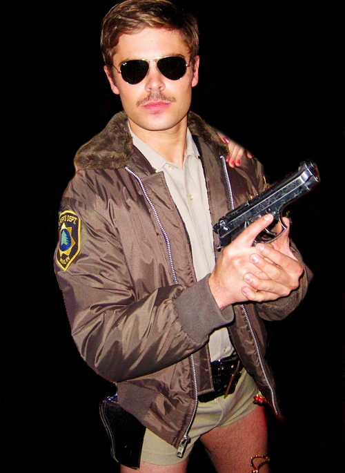 zac-efron-hot-pants-bulge-halloween-2011.jpg