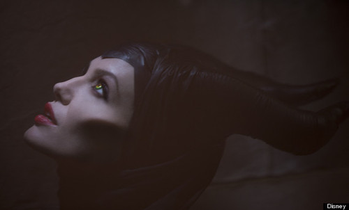 o-ANGELINA-JOLIE-MALEFICENT-570.jpg