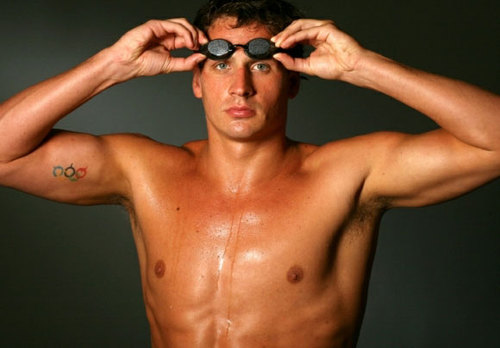 ryan-lochte-shirtless-07062012-13-580x435.jpg