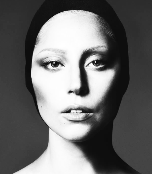 Lady-Gaga-for-Vogue-September-2012-Issue-lady-gaga-31762169-500-572.png