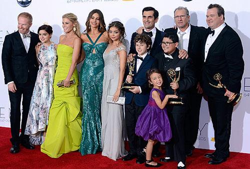 modern-family-emmys-2012-gi.jpg
