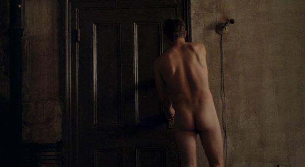 Omg He'S Nude 46
