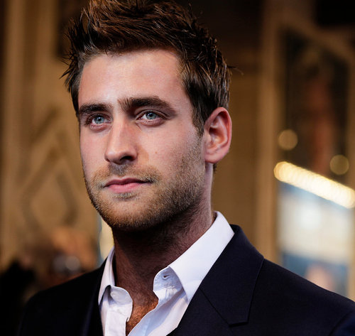 oliver_jackson_cohen_for_the_stage01_website_image_sack_standard.jpg