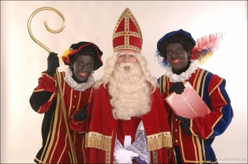 zwarte-piet-blackface-santa.jpg