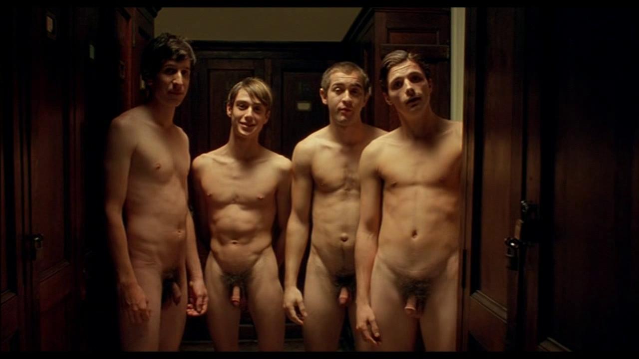 голые парни в художественном кино развернулась стене лицом